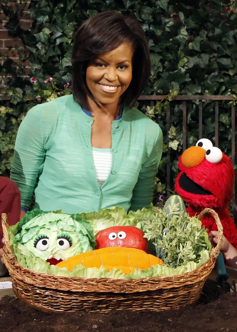 Michelle Obama and Elmo_1